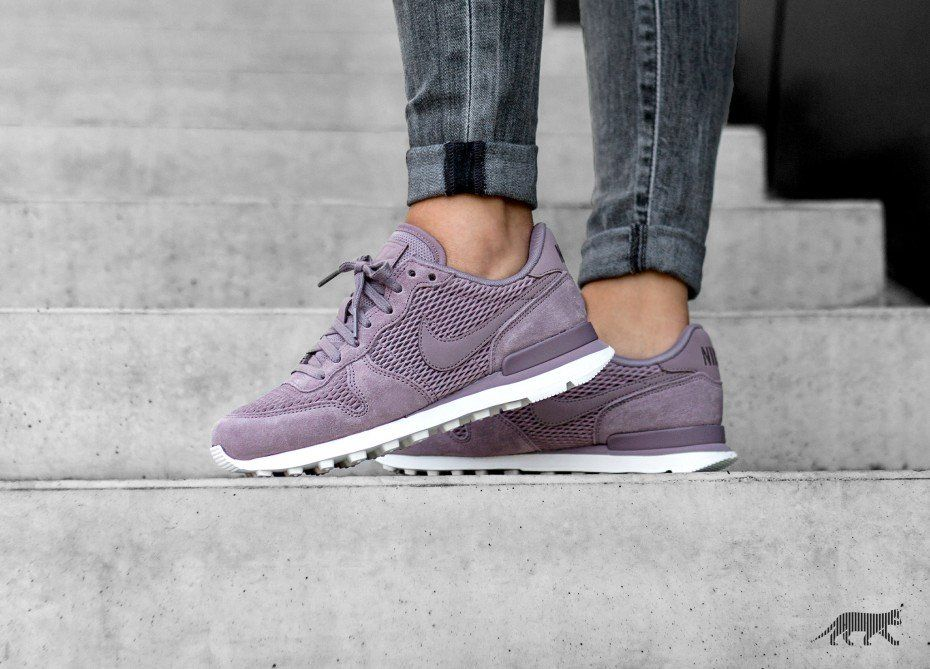 uk availability 46208 57138 Nike Wmns Internationalist PRM (Taupe Grey   Taupe Grey - Sail)