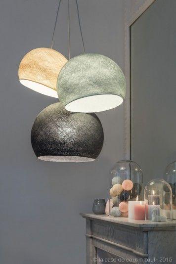 devant la chemin e ce luminaire triple est compos avec 1 s lin 1 m perle 1 l anthracite. Black Bedroom Furniture Sets. Home Design Ideas