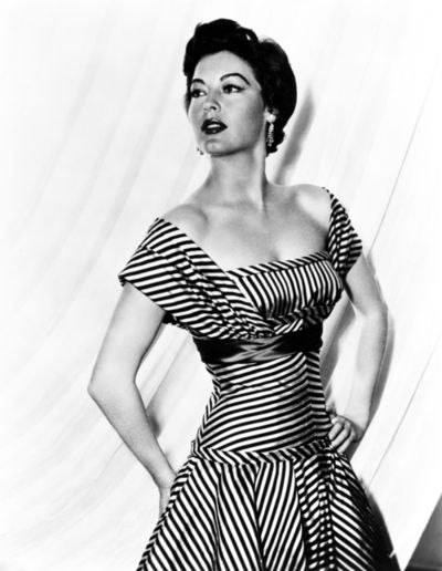 Ava Gardner Love That Dress In 2019 Hollywood Fashion