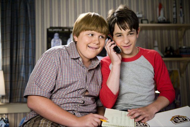 Still Of Zachary Gordon Robert Capron In Diary Of A Wimpy Kid Dog Days Not Quite As Good As The First 2 But Kids Loved It Wimpy Kid Wimpy Kid