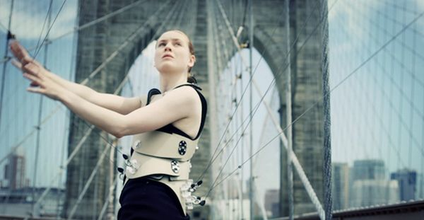 http://crafthaus.ning.com/profiles/blogs/symposium-beyond-jewellery-performing-the-body