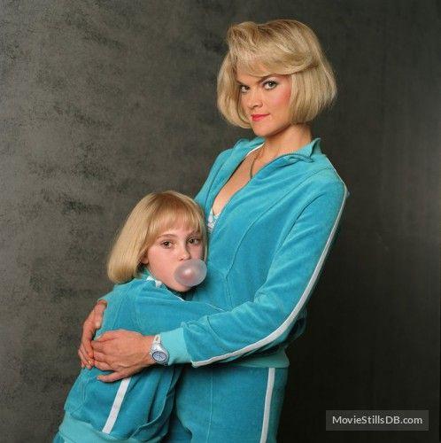 Violet And Mother Com Imagens Looks Filmes