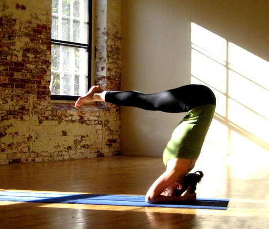 10 yoga poses to help you look good naked. yep. doing these.