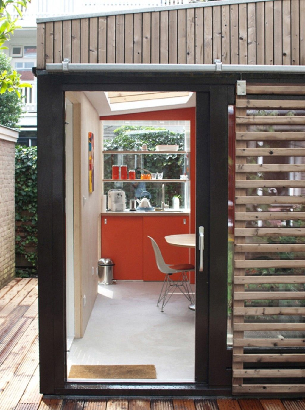 Home Office Design Ideas For Small Spaces With Wooden Walls And ...