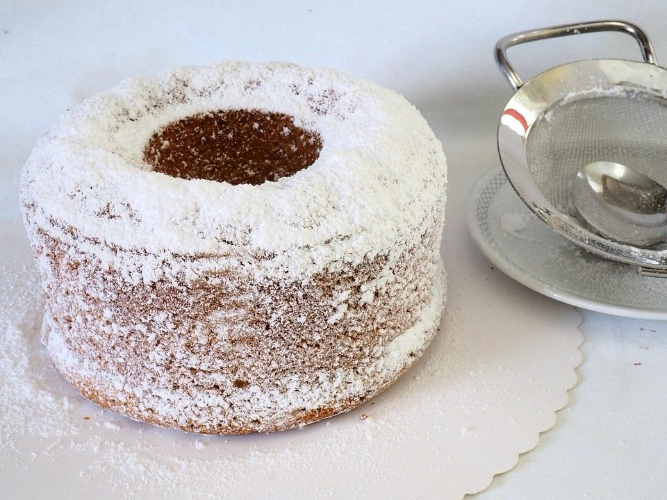 Eierlikorkuchen Fur Eine Kleine Kuchenform Von Lauchpassion Chefkoch Rezept In 2020 Kleine Kuchen Backen Eierlikorkuchen Kleine Kuchenform