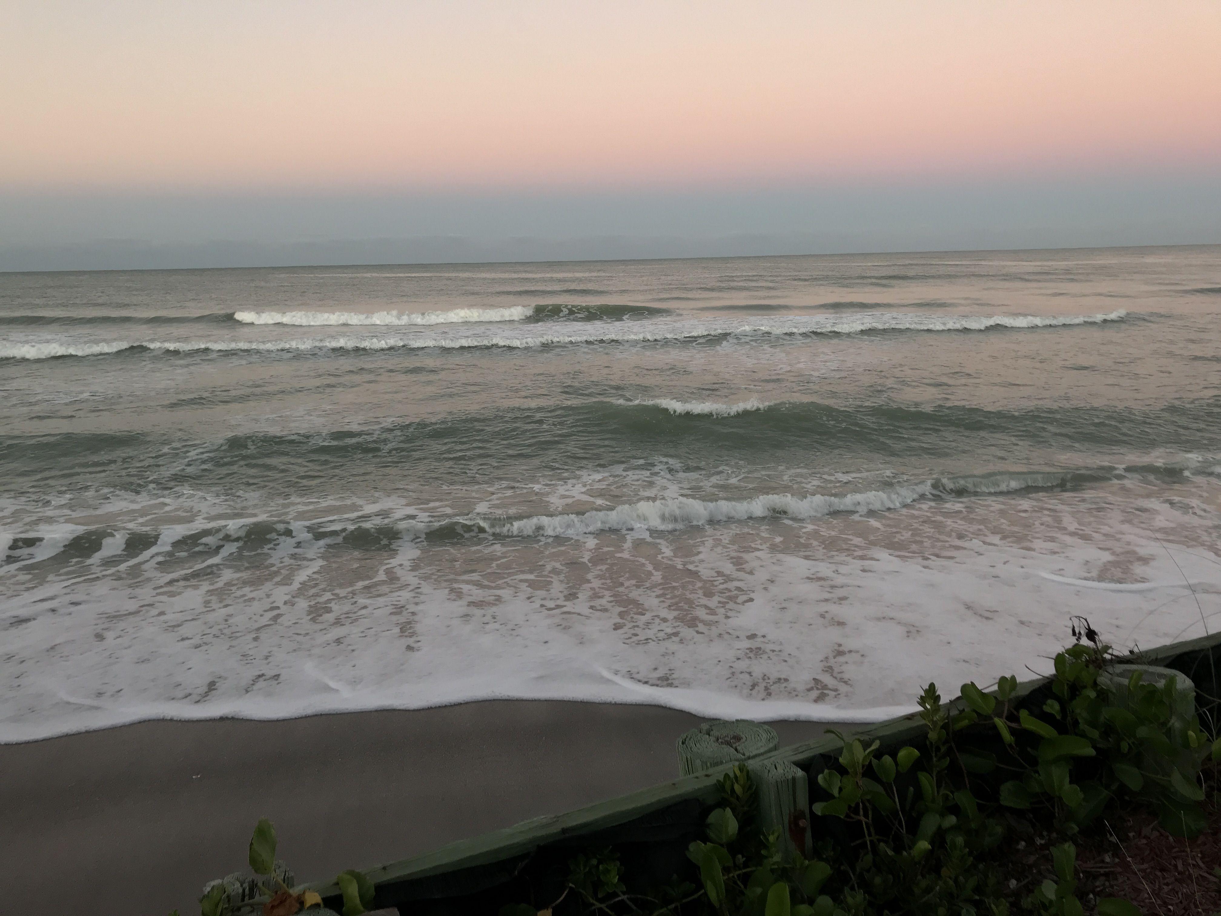 Sunrise at the Pearl Beach Inn 2017 - Manasota Key - Photo ...