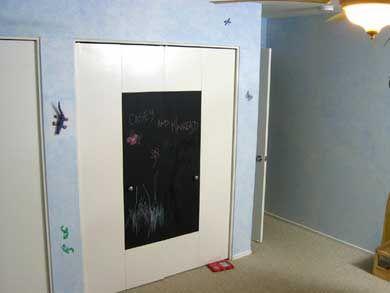 decorar-puertas-armarios-pintura-pizarra