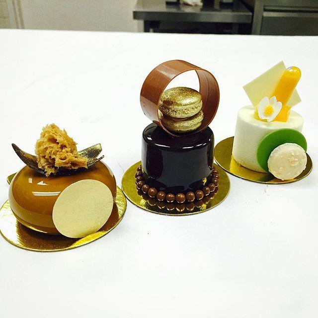 Petits gateaux: 1- Gianduja , Yuzu and Passion fruit 2- chocolate, vanilla and almond 3- coconut/mango  #antoniobachour #bachour1234 #valrhona