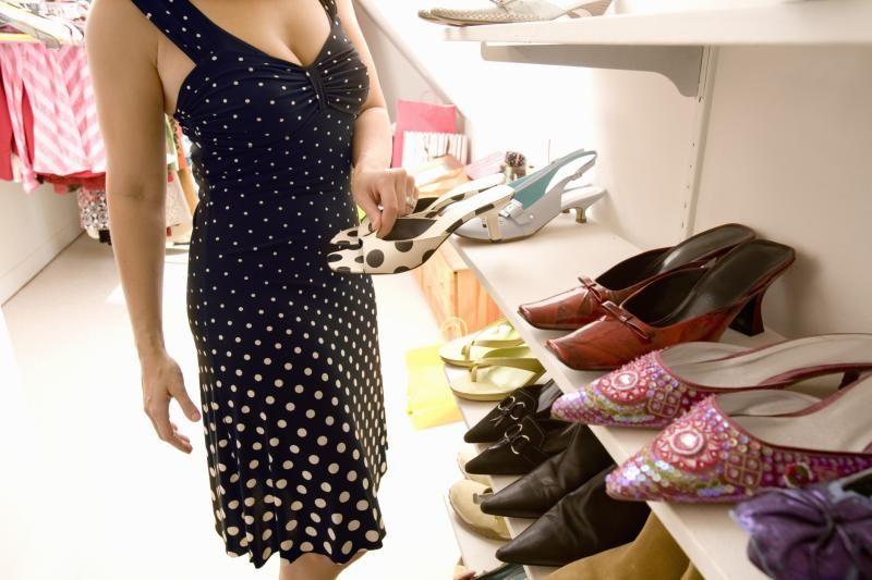 What Is The Average Walk In Closet Size Walk In Closet Size Walk In Closet Bathroom Inspiration Modern