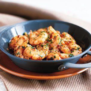 Sizzling Shrimp With Garlic Gambas Al Pil Pil Receta Gambas Al Pil Pil Camarones Salteados Y Comida