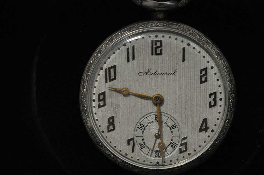 VINTAGE 12 SIZE TACY WATCH CO. ADMIRAL POCKET WATCH KEEPING TIME #Waltham