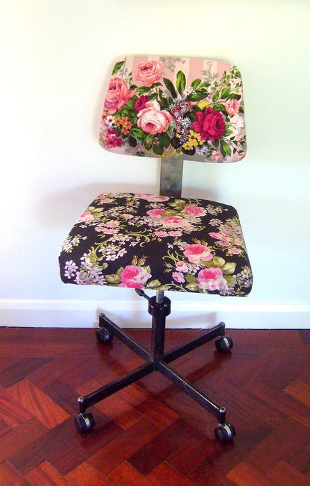Awe Inspiring Floral Overload Desk Chair Try New Things Home Decor Inzonedesignstudio Interior Chair Design Inzonedesignstudiocom