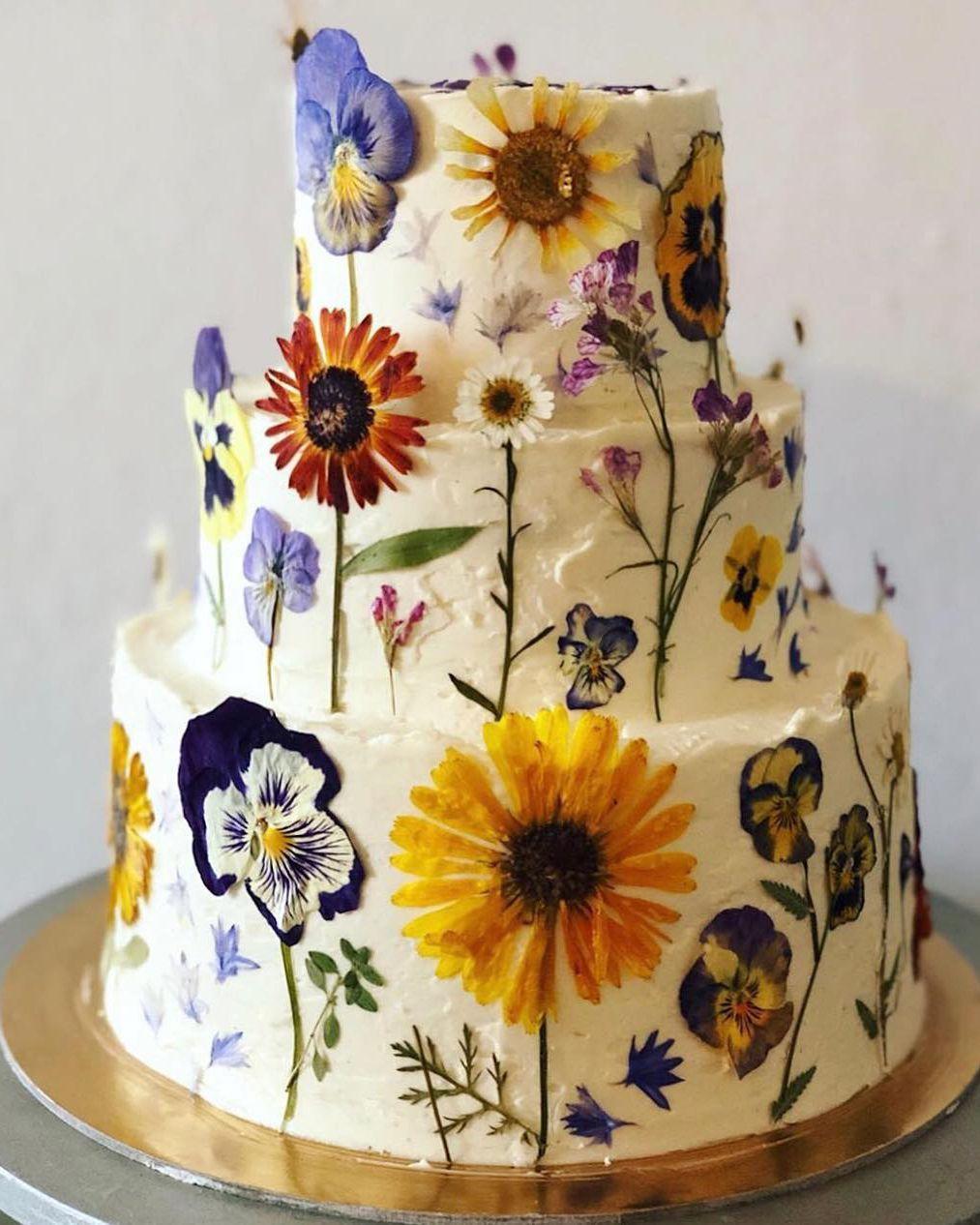 "Happy Gardens 😀 on Instagram ""Cake of Love + Joy + Colors"