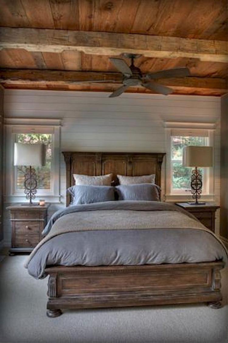 Gorgeous Farmhouse Master Bedroom Decorating Ideas 35
