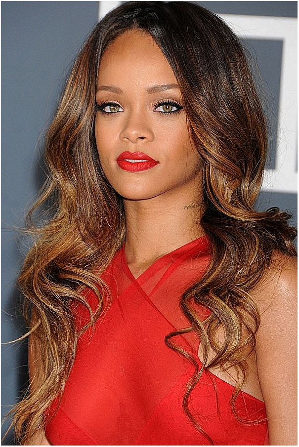 Rihanna At The Grammy Awards, 2013. She opted for long loose waves for a more relaxed (but still glamorous) look.