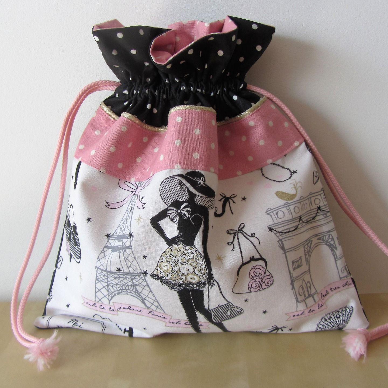 pochon pour lingerie la parisienne n 5 et tissus rose et noir pois textiles et tapis par. Black Bedroom Furniture Sets. Home Design Ideas