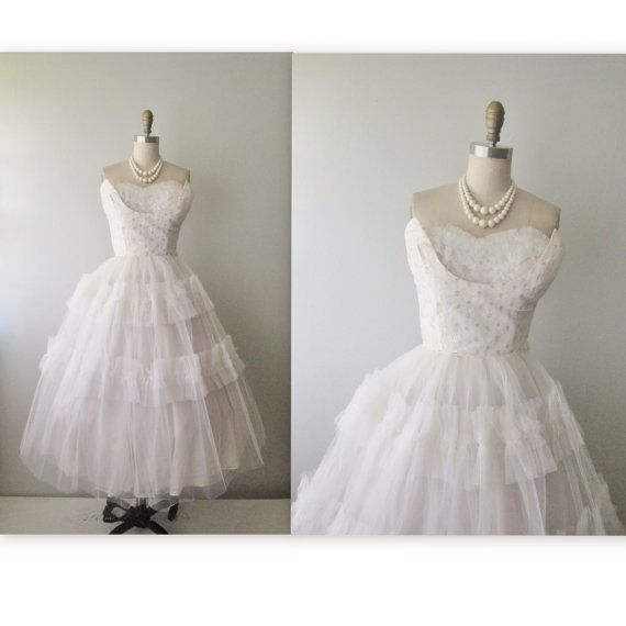 50\'s Wedding Dress // Vintage 1950\'s Strapless White Silver Tulle ...
