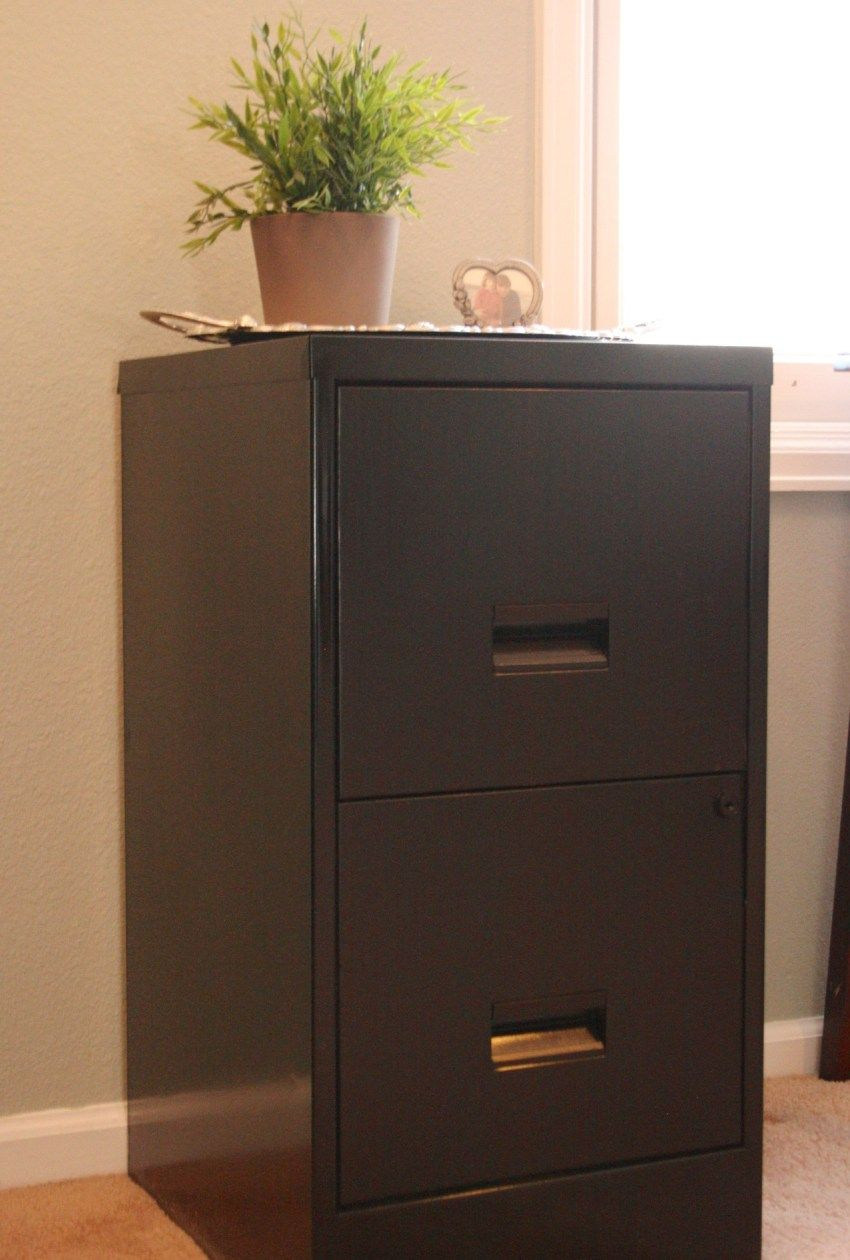 Here Is The Easy Way To Spray Paint A Metal Filing Cabinet Painting Metal Cabinets Metal Filing Cabinet Filing Cabinet
