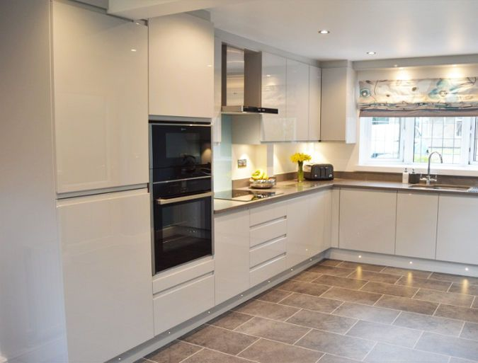 Best Remo Dove Grey Staffordshire Kitchens Bedrooms Kitchen 640 x 480
