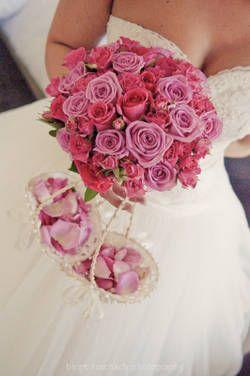 brautstrau aus rosaroten rosen flowers pinterest. Black Bedroom Furniture Sets. Home Design Ideas