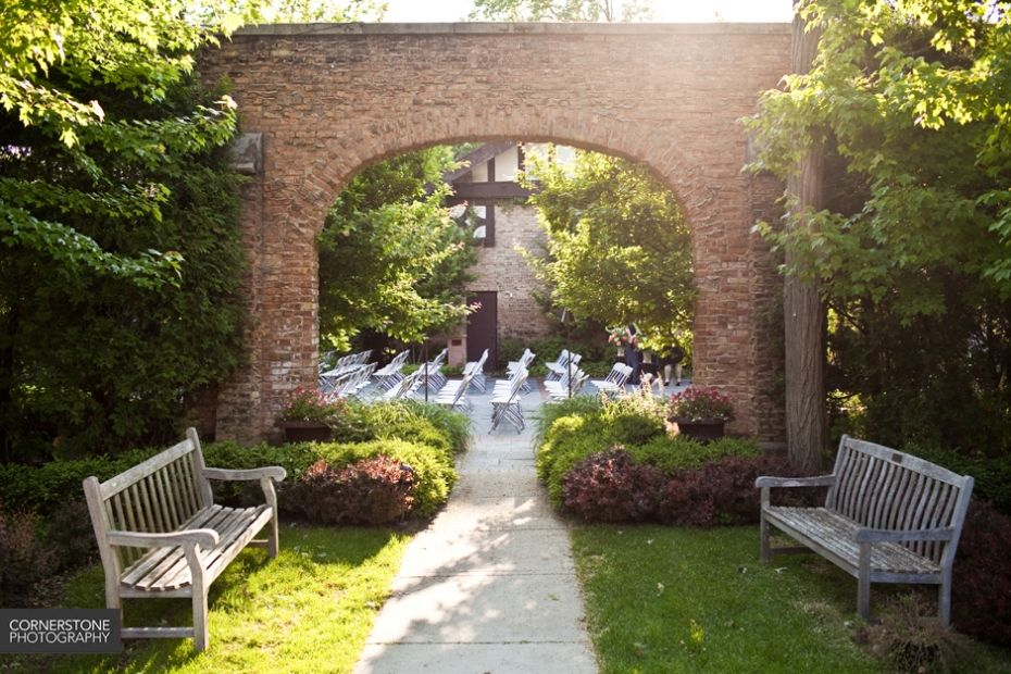 Winnetka Community House Outdoor Wedding Megan Randy Are Married Chicago Photographer A Sunshine Moment