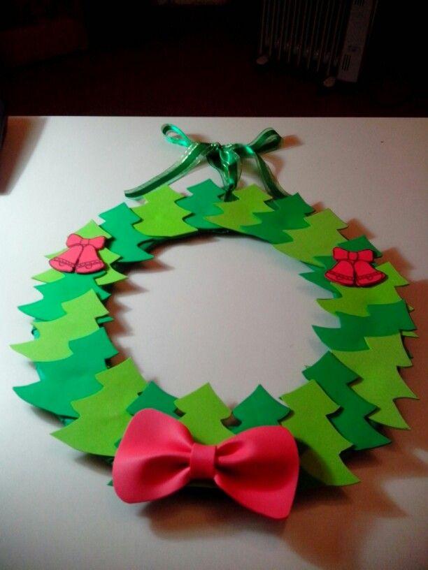 Corona de rboles de goma eva navidad coronas - Coronas de navidad ...
