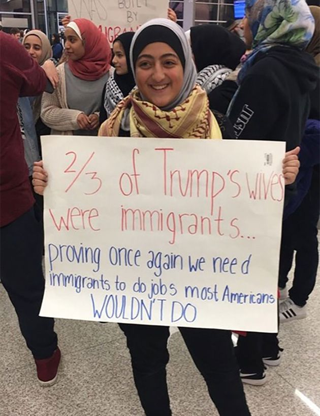 Photo of 20 Of The Best Signs From Muslim Ban Protests
