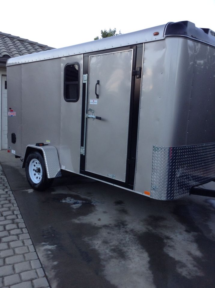 Mobile Grooming Trailer By Le Paws Mobile Grooming Mobile Pet Grooming Dog Grooming Pet Grooming