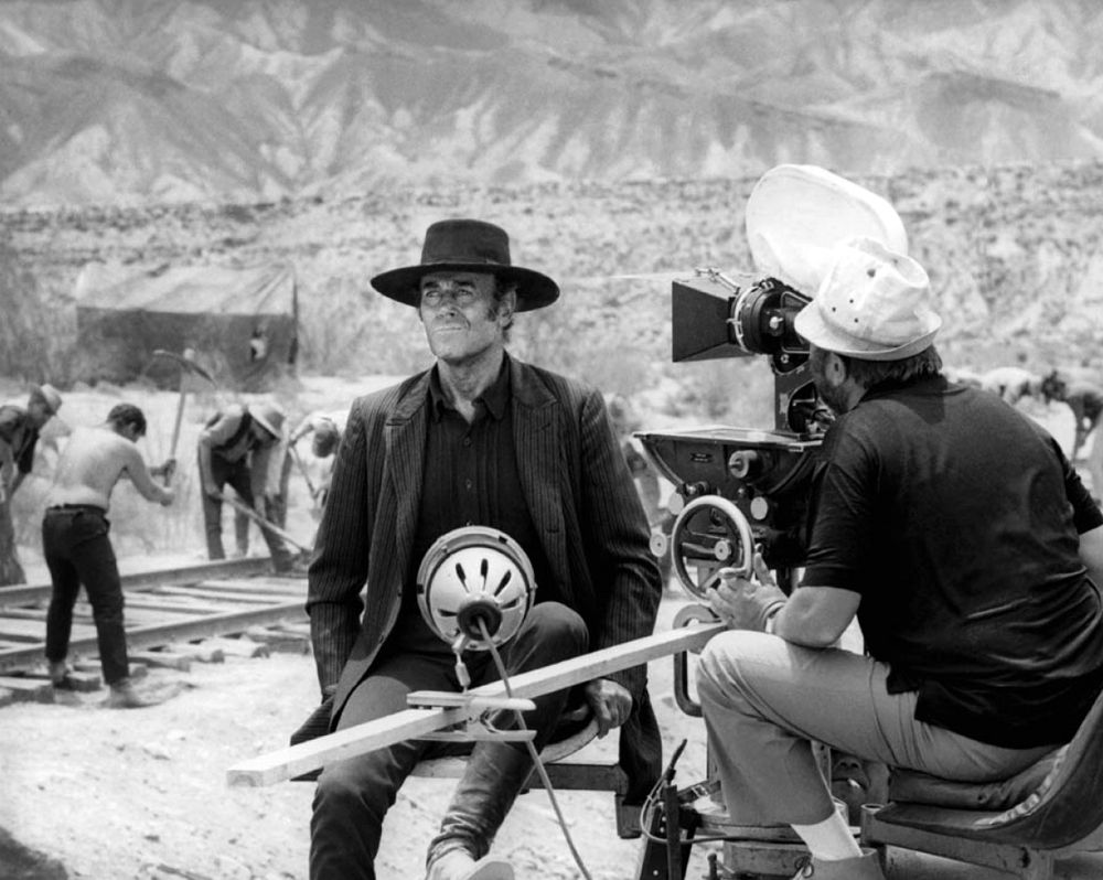 Henry Fonda And Sergio Leone On The Set Of Once Upon A Time In The West Sergio Leone Spaghetti Western Henry Fonda
