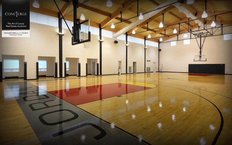 Indoor Basketball Court At Michael Jordans Chicago Home Concierge Auctions Facebook 950x594