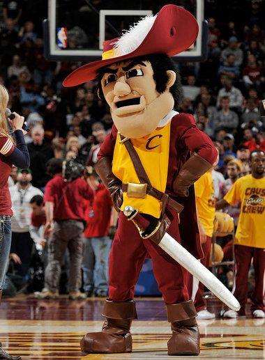 Cleveland Cavaliers Mascot Sir Cc Cavs Basketball Cleveland Cavs Mascot