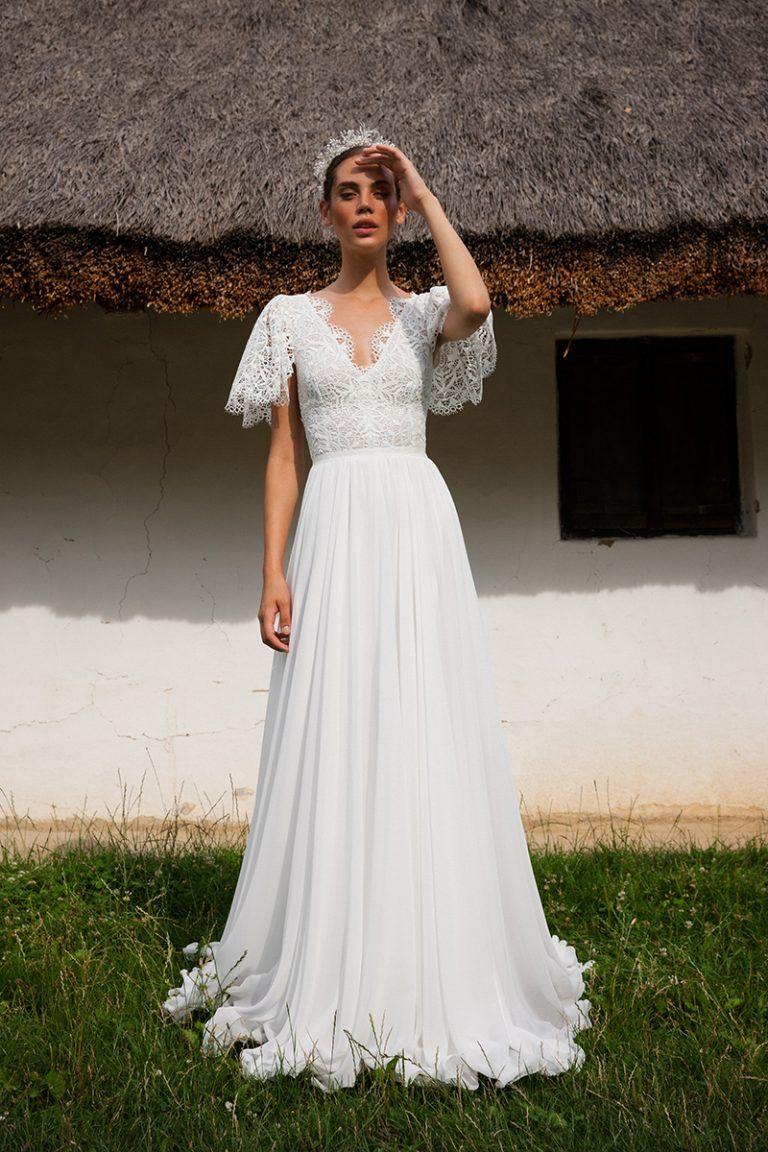 Daalarna FOLK  Kleid hochzeit, Züchtige brautkleider, Fließende
