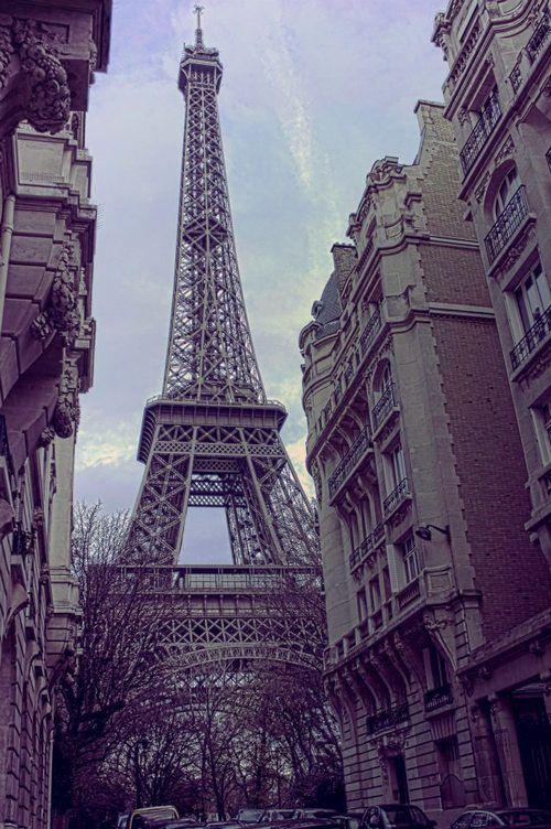 Me volvieron a dar ganas de irme a Paris.  -¿¿Cuándo fuiste a Paris?? -No nunca!  ya en una ocasión me habían dado ganas de ir!!