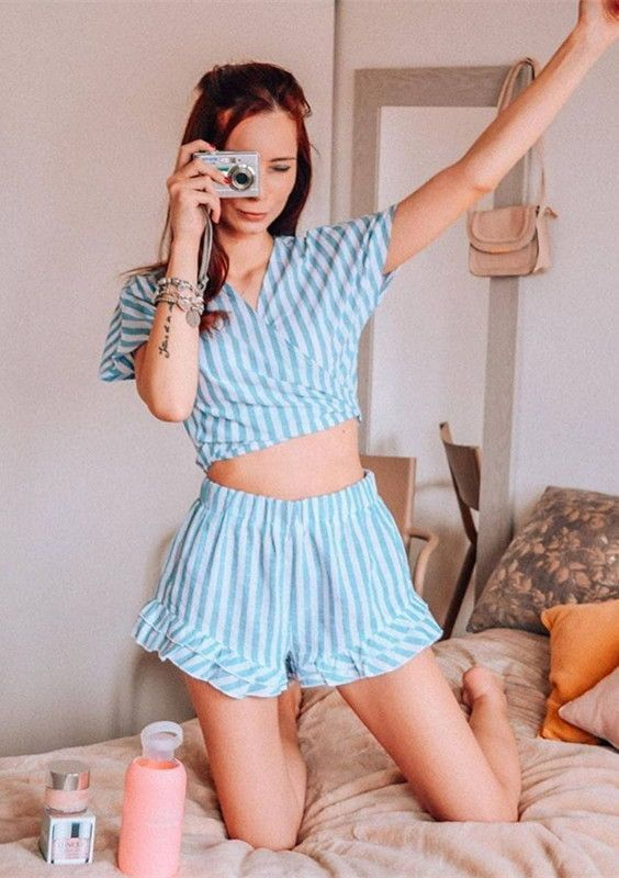 Mix & Match Plunging Bow Tie Two Way Top And Ruffle Shorts Set