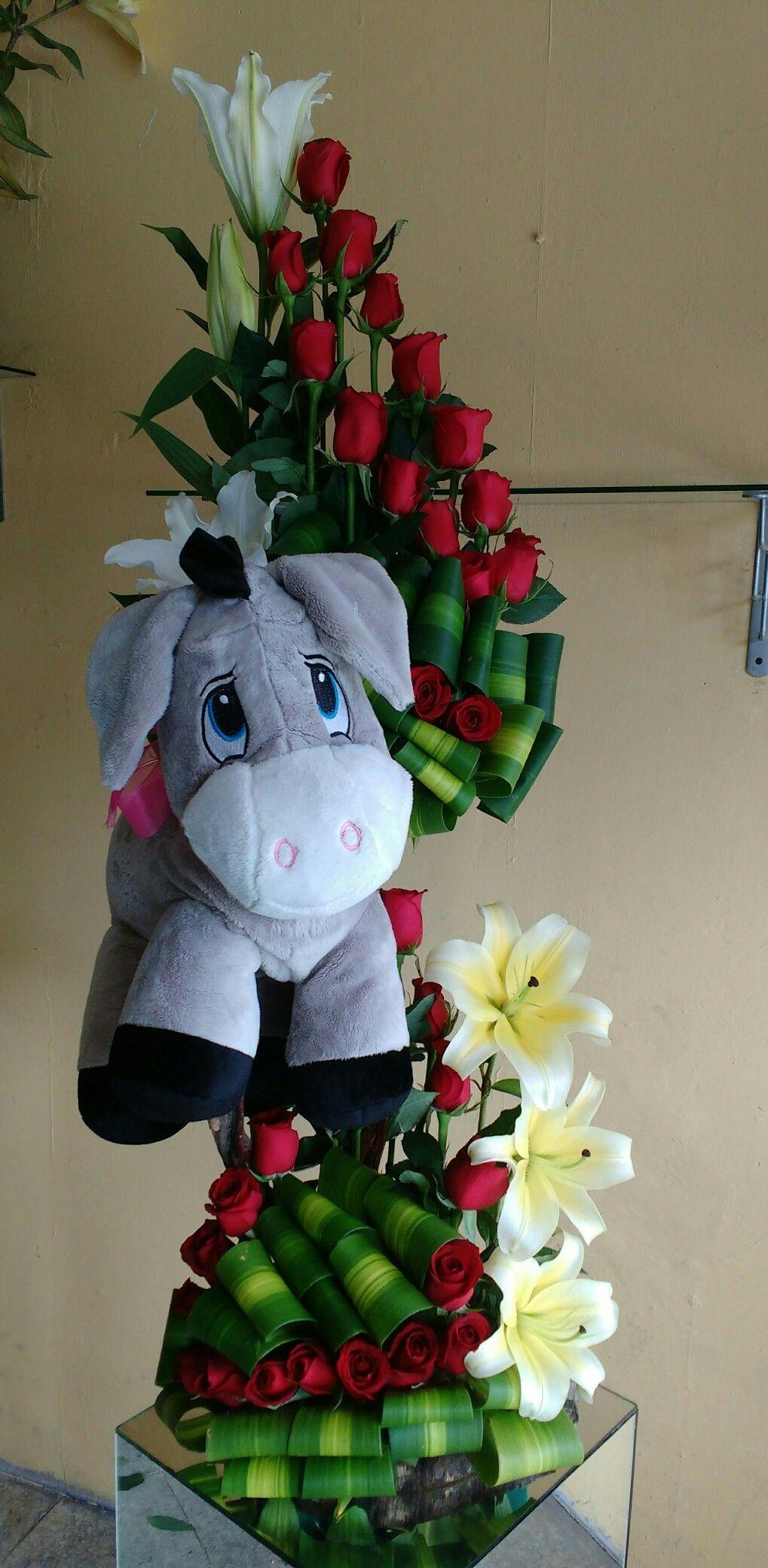Rosas y lilis flowers pinterest flowers floral arrangement floral wreath rosas y lilis izmirmasajfo