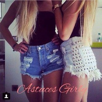 High Waist Denim Shorts Outfit for the Summer
