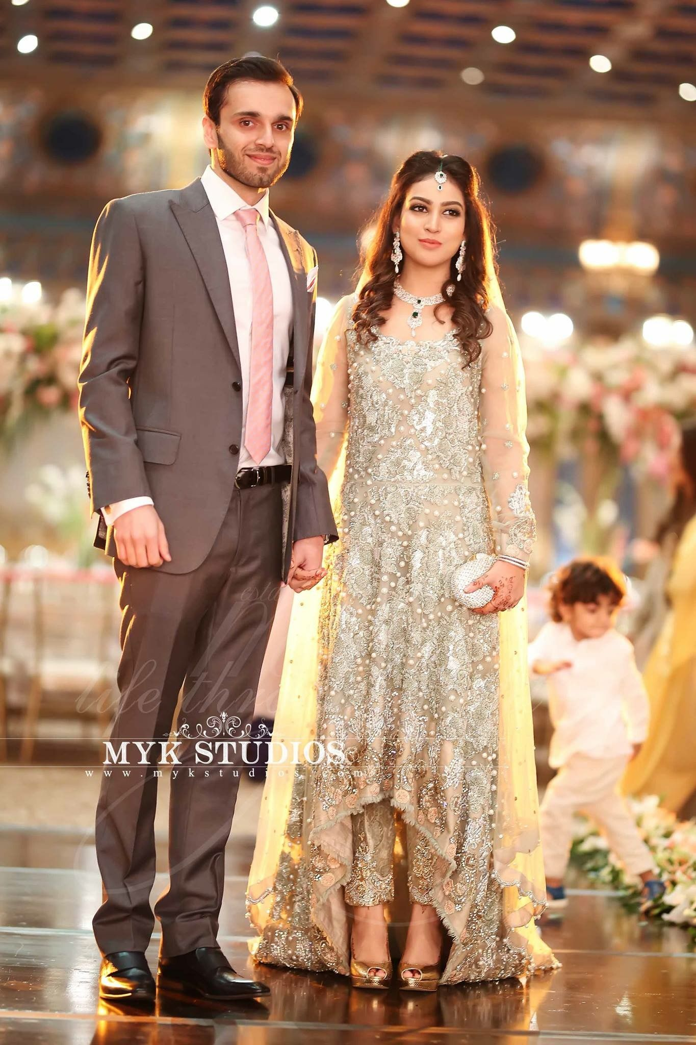Maxi Style Pakistani Bridal Wear Pakistani Wedding Dresses Bridal Outfits [ 2048 x 1365 Pixel ]