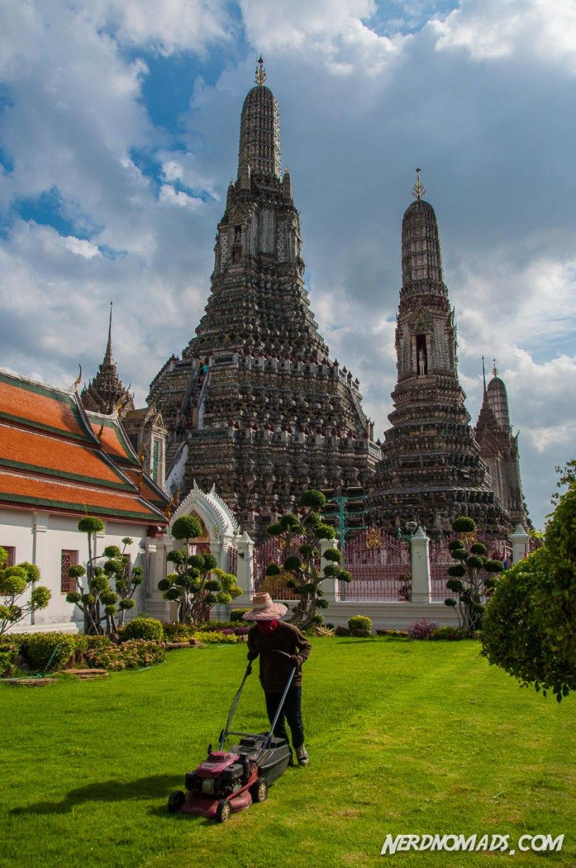Bangkok is dynamic and vibrant, packed with things to do and places to see. Wonder what to do in Bangkok? This 3 day Bangkok itinerary has it all!