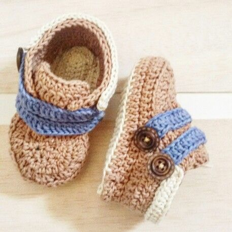 Baby boy's booties. Check and follow us at instagram @hardcover_ID I made this for commision and made by order. Based on Indonesia