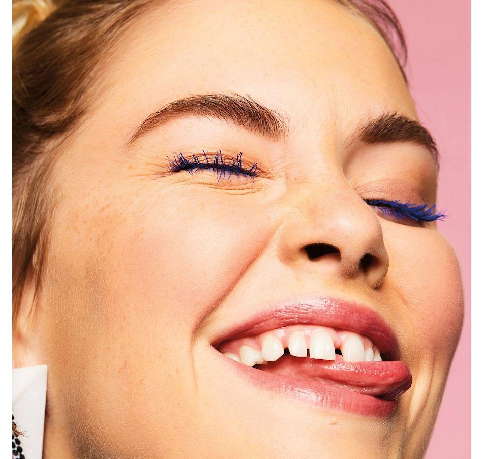 Benefit BADgal BANG Brightening Blue Mascara Gallery