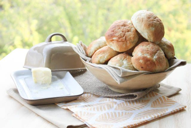 Buttermilk Dill Buns | Everybody Loves Pretty