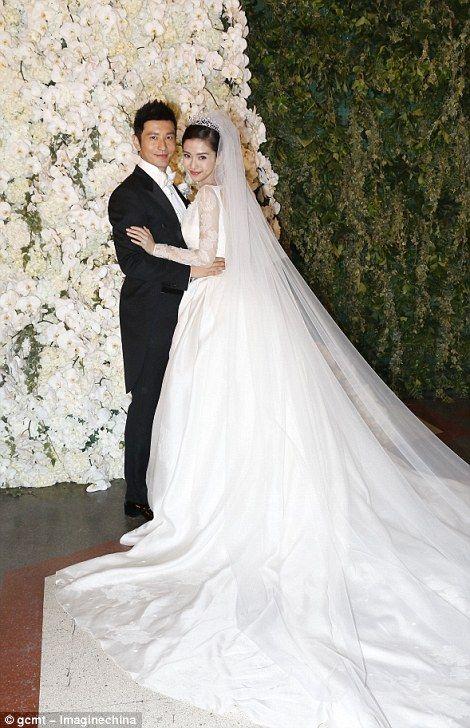 China\'s Kim Kardashian\'s £20million wedding | Pinterest | Brautkleider