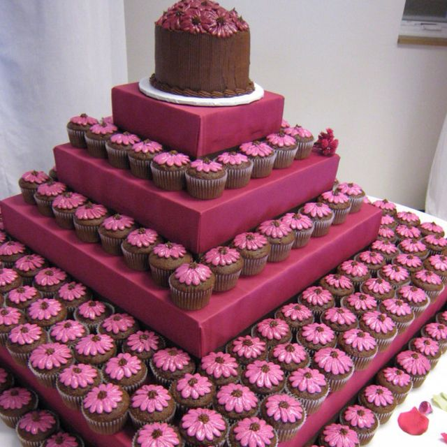 Cupcakes for weddings:)