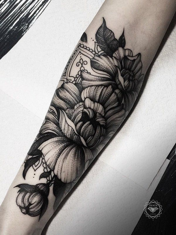 110 awesome forearm tattoos forearm tattoos tattoo and for Forearm flower tattoos