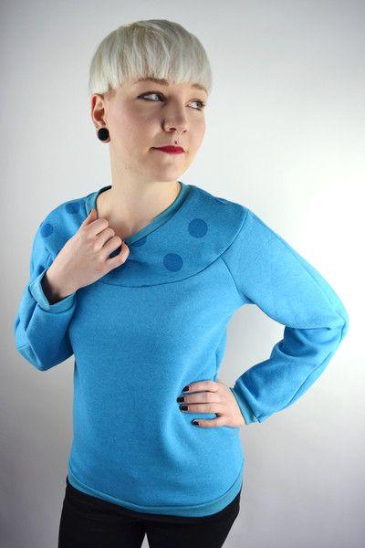 T-Shirts & Sweatshirts - Pullover türkis Punkte - ein Designerstück von JAQUEEN-handmade-streetwear-berlin bei DaWanda