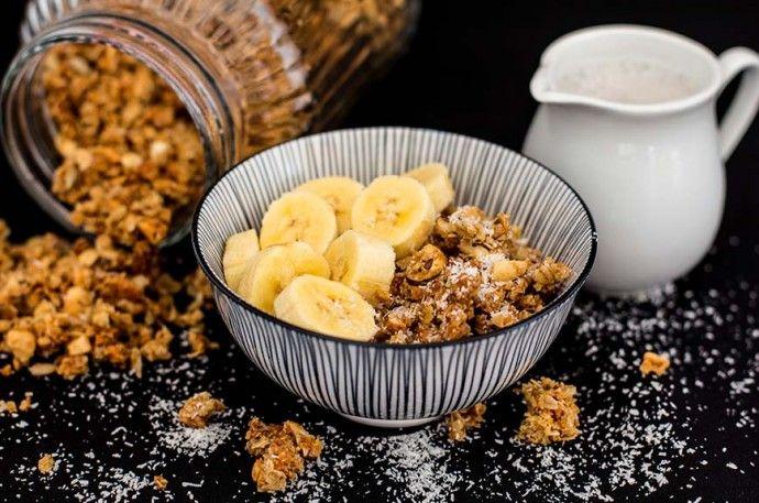 Banane-Kokos-Granola