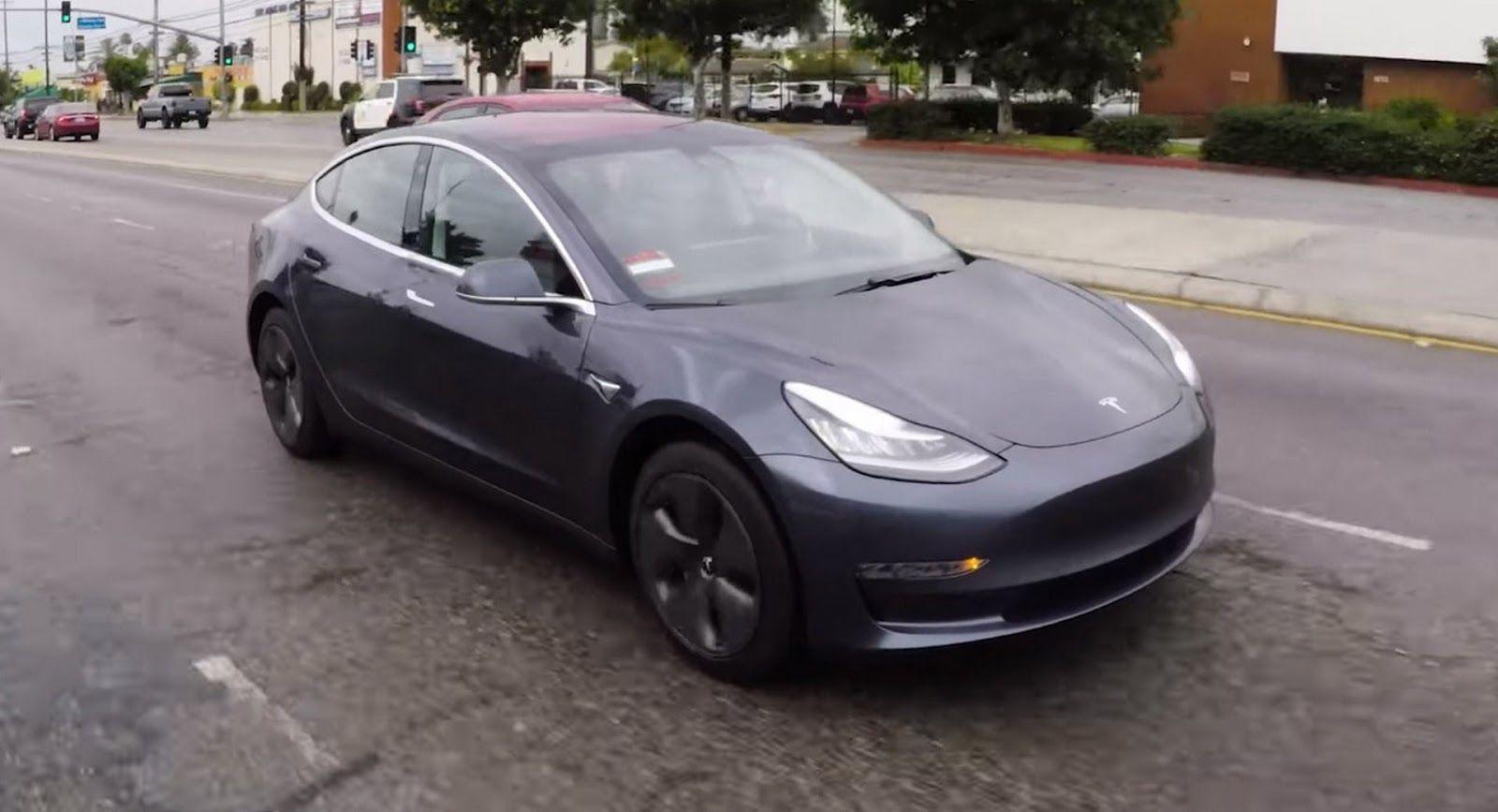 Edmunds S Its Own Tesla Model 3 Delivers First Impressions