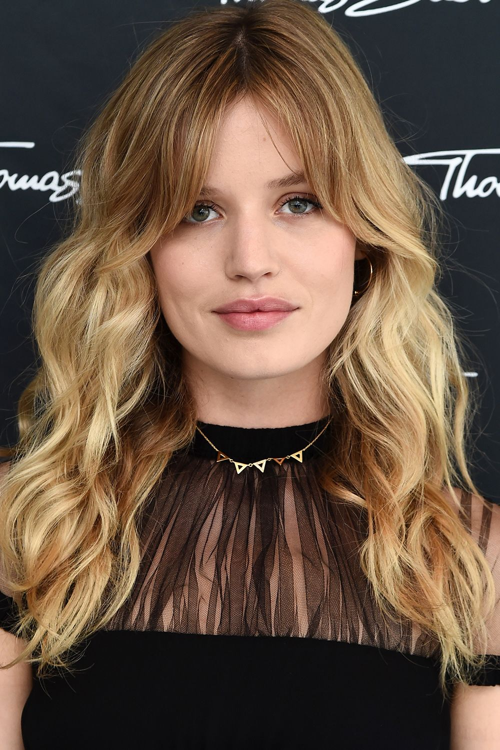 30 Celebrity Wavy Hairstyles To Steal This Spring Long Haircuts With Bangs Hairstyles With Bangs Long Hair With Bangs