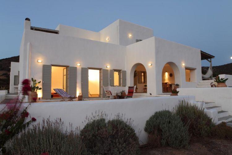 Un avant goût de vacances avec cette maison située sur lîle grecque dantiparos