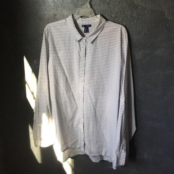 Gap women's button-down Fun, casual button-down for everyday! GAP Tops Button Down Shirts
